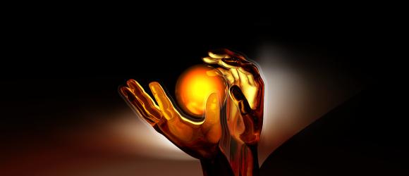 Ruce a žluté světlo